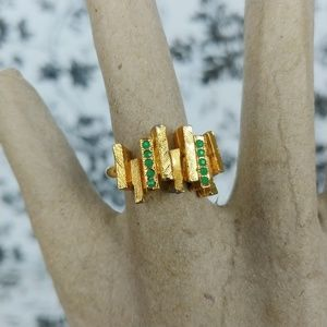 Vintage gold bars and green stones ring